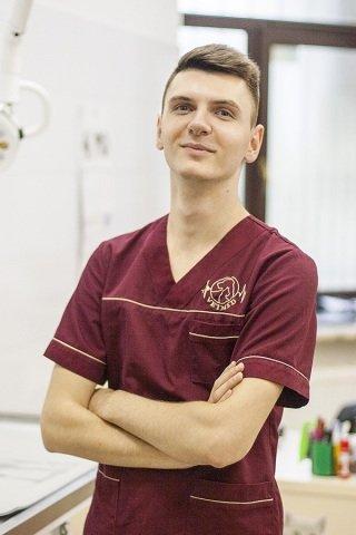 Богдан Прус. Асистент лікаря, рентгенолог.